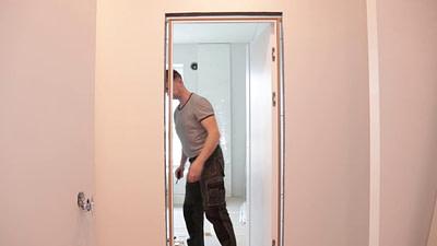 Kaip įstatyti duris pačiam.